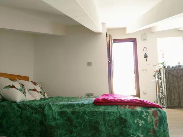 Habitación con baño privado, cocina y gran terraza - Inca - Apartment