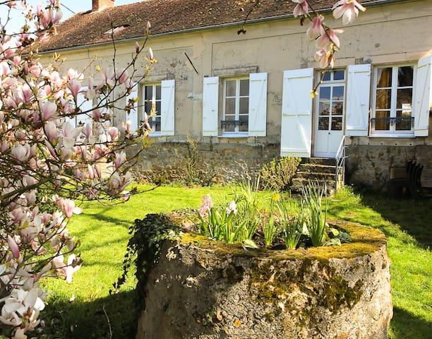 Maison de charme, pleine nature - Verdelot - Huis