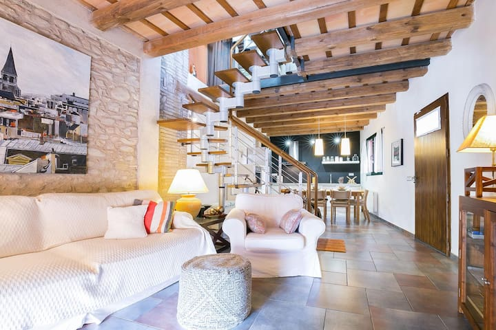Magnificent house located in the historical center of Peralada. - Peralada - Huis