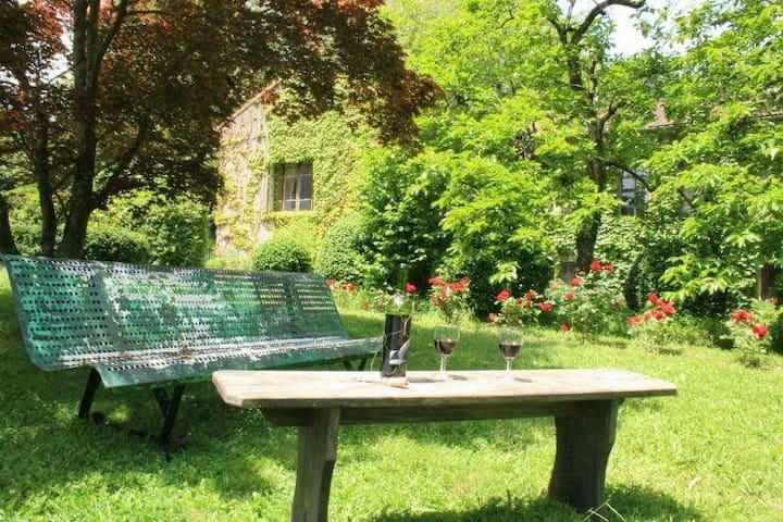 Stylish apartment, set within beautiful gardens. - Labastide-Rouairoux - Lägenhet