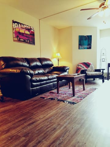 Mid-City Townhome! Best location in Baton Rouge! - Baton Rouge - Lägenhet