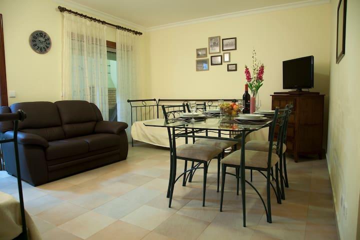 Nicely Furnished 1 Bedroom Flat - Vila Real de Santo António - 公寓