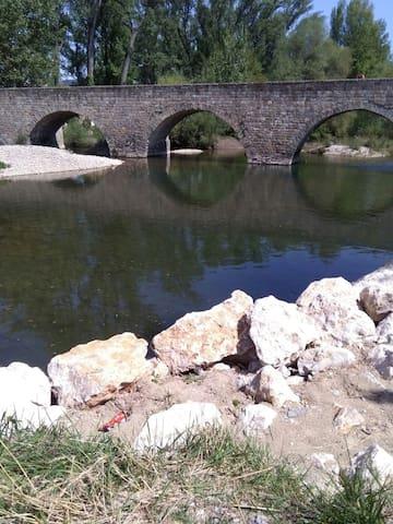 COMODA HABITACION, COMO EN CASA, - Pamplona - Gjeste suite
