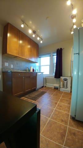 PRIVATE 1B apt Bryn Mawr - Bryn Mawr - Apartemen