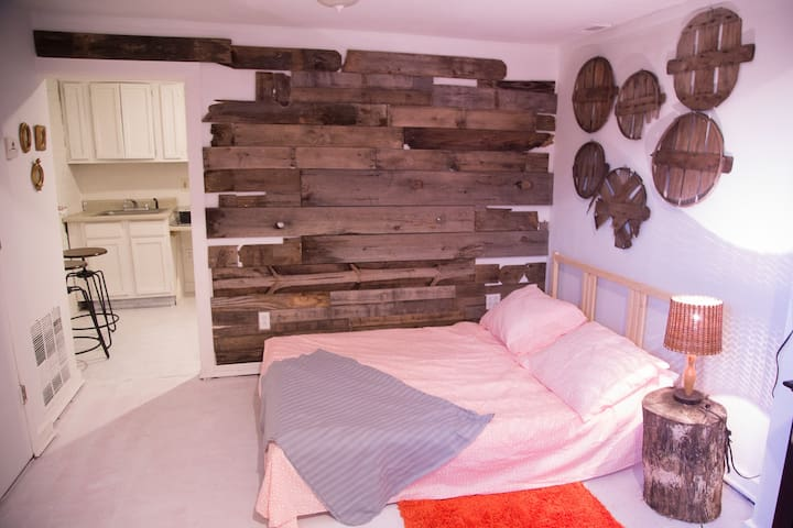 Rustic Hideaway on Historic Antique Row-Cherokee - St. Louis - Daire