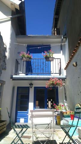 Maison au pied des montagnes - Arudy - Huis