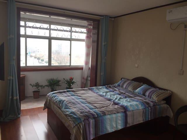 视线好,窗户都能看见大海 - Yantai - Lägenhet