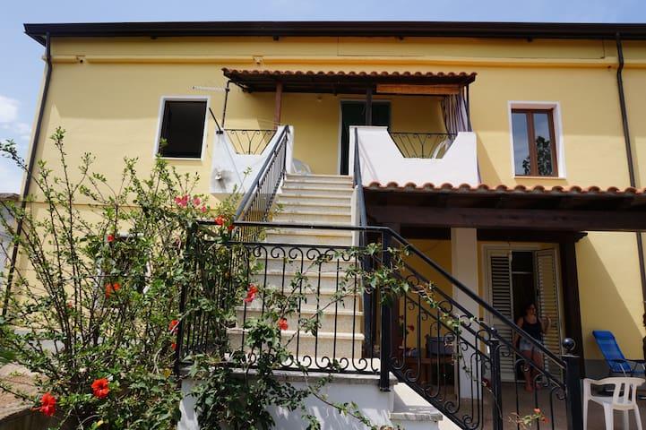Lovely house with garden in Cardedu - Cardedu