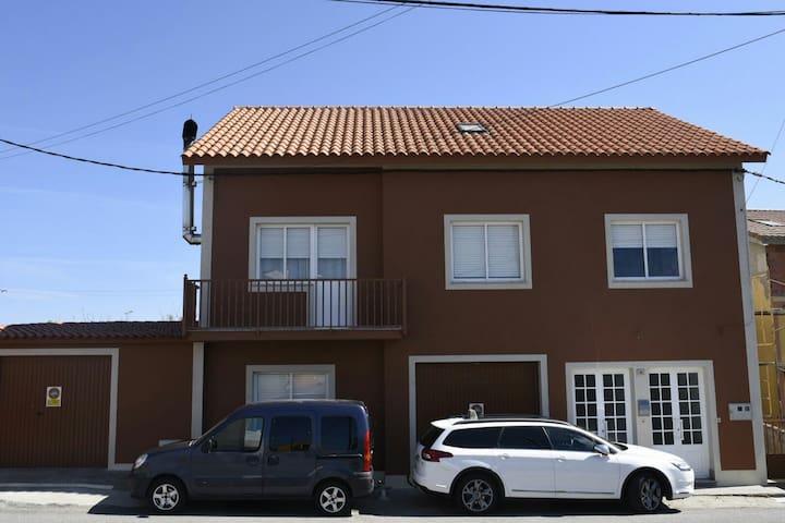 piso independiente en castiñeiras - A Aldea - Apartamento