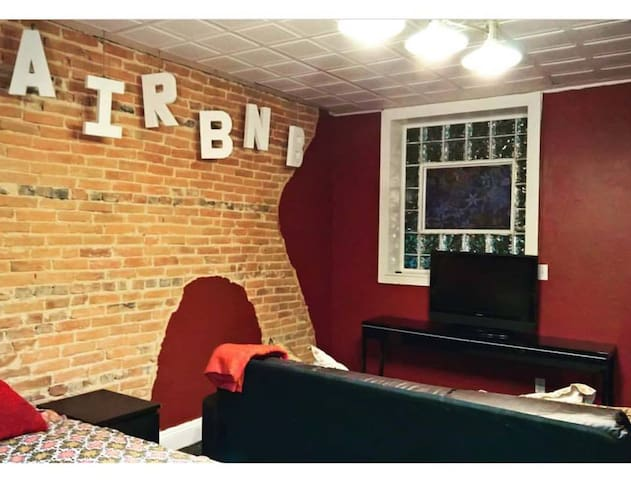 Rent a Former Fells Point Bar! - Private Studio - Βαλτιμόρη - Διαμέρισμα