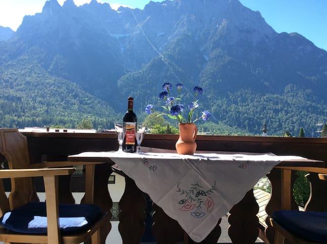 Amazing View , chain of mountain - Mittenwald - Huoneisto