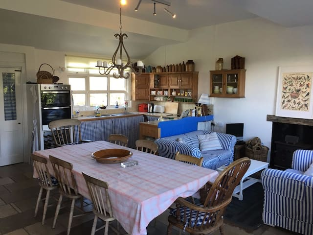 Charming Cottage Retreat With Tower Room - Worth Matravers - Casa