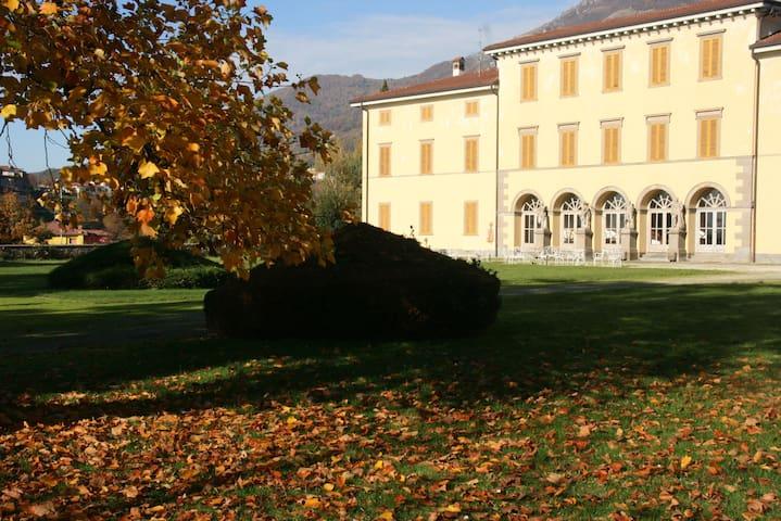 Villa Vitalba-1700s house and winery 1h from Milan - Almenno San Salvatore - 別荘