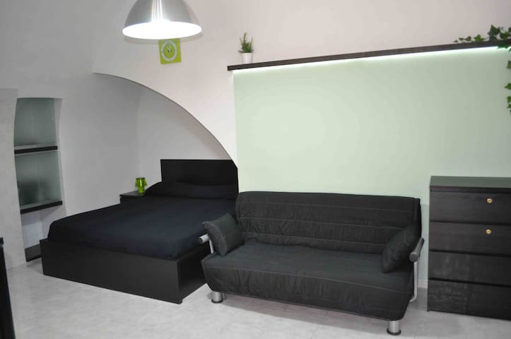 monolocale ristrutturato 2/4 posti letto - Canosa di Puglia - Casa