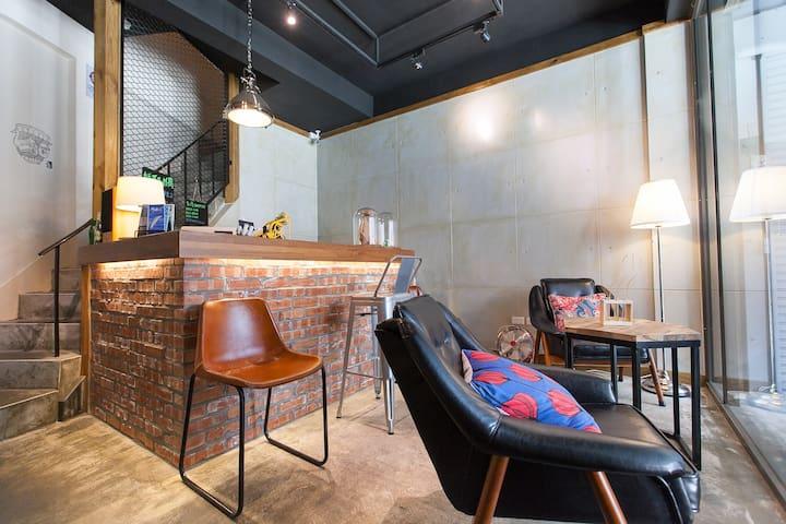 W+225 GuestHouse 輕工業旅行小旅店-M房型 - Hualien City - Apto. en complejo residencial