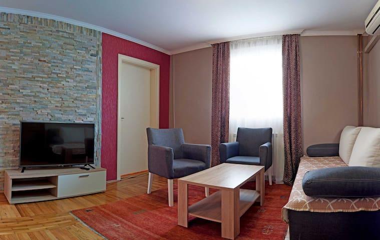 Apartment for six in Vila Boska - Palić - Departamento