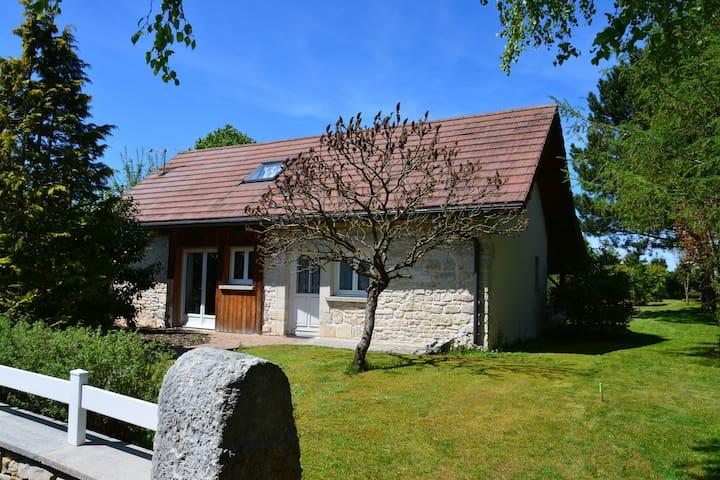 """Charming stone cottage """"La remise"""" - Flangebouche - House"""