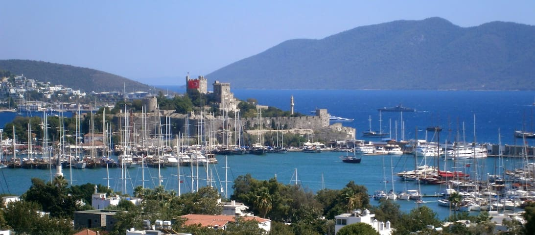 Amazing View in Downtown Bodrum - Bodrum - Adosado