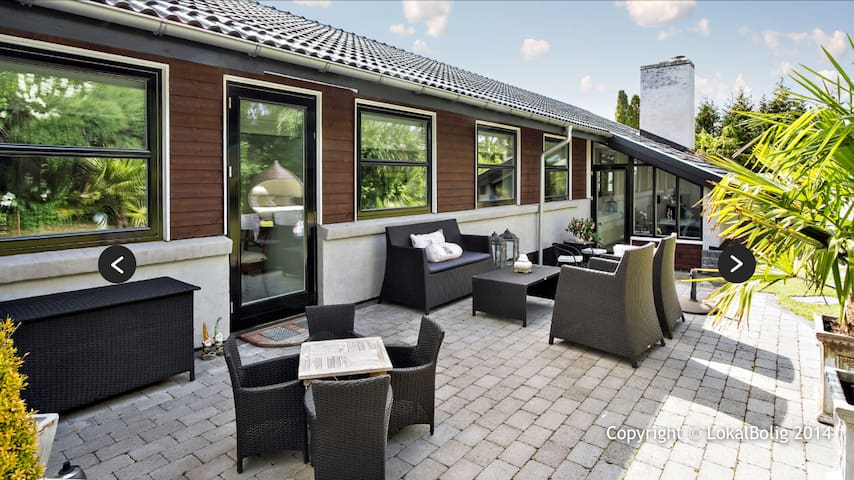 Fantastisk bolig med god beliggenhed - Stenløse - Huis