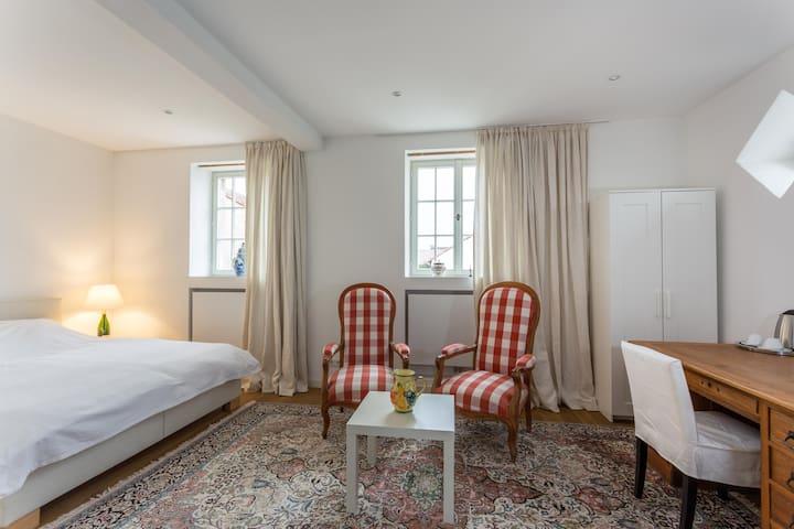 Exclusiv Appartement/ Riesling Brut - Konz - Leilighet