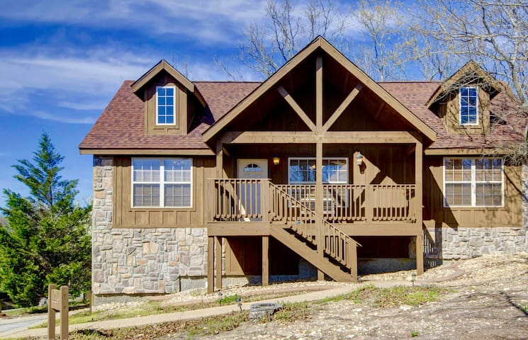 $139/nght April-May21 Cabin- Branson close to SDC - Branson West - Houten huisje