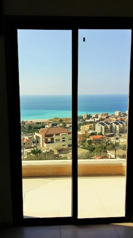 Vanessa's nice studio with beautiful sea view! - Nahr Ibrahim - Departamento