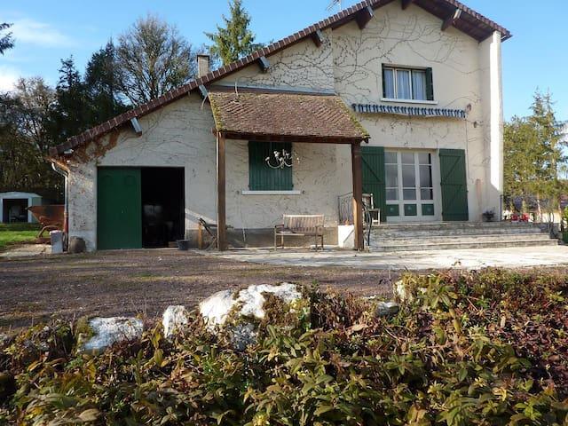 Jolie maison au calme beau panorama - Merry-sur-Yonne