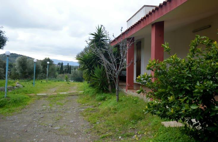 Casa Vacanze Konemann - Sarroch - Villa
