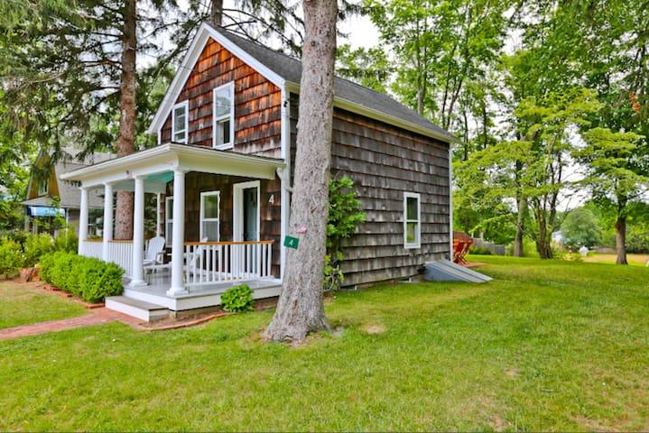 Cozy Quiet 2 bedroom House - Shelter Island - Ev