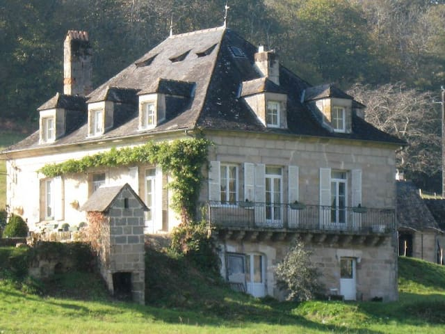 Beautiful character home,  near the  Dordogne/Lot. - Noailles - Huis