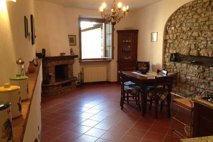 Casa sulle colline di Lucca - Camaiore - Casa
