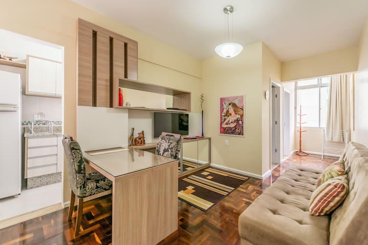 Apartamento totalmente equipado no centro com wifi - Florianópolis