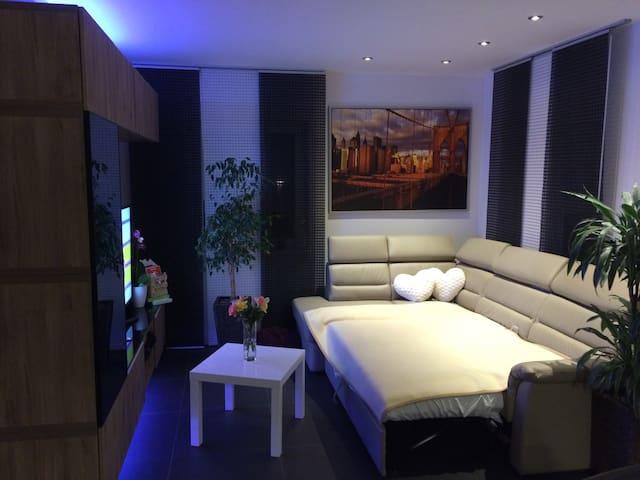 MESSE - 4 Doppelzimmer in 1 Haus - Algermissen - Hus