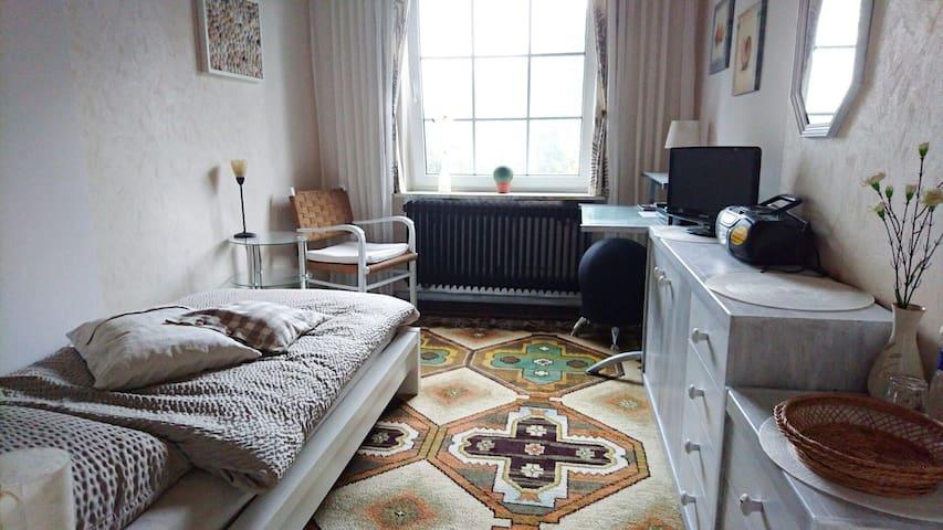 Helles, gemütliches Zimmer im Landhaus - Bad Zwischenahn - Hus