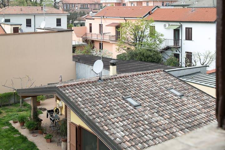 grazioso appartamento in centro paese - Opera