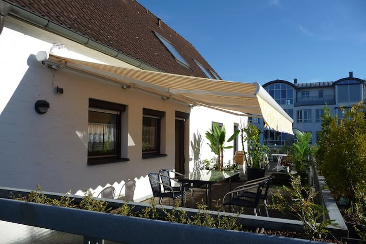 zentr., komfortables, modernes, viels. Appartement - Burghausen - Appartement en résidence