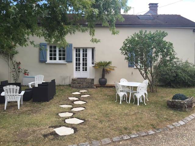 Jolie maison 60Km Paris avec tennis - Oulins