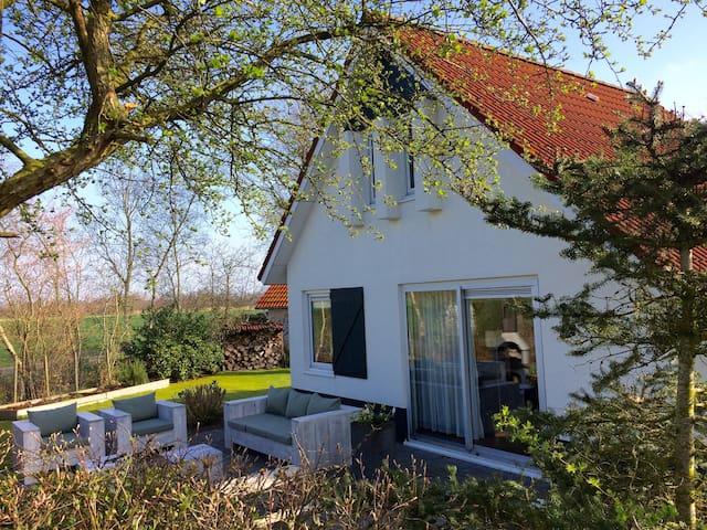 Licht huis met grote tuin in st. Nicolaasga - Sint Nicolaasga - Rumah
