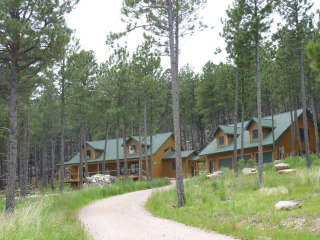 Laramie Bluffs Mountain Getaway - Custer - Çatı Katı