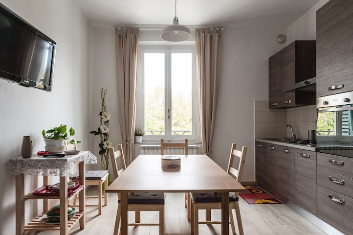 Lindo-nuevo piso en la mejor zona! - Empoli - Departamento