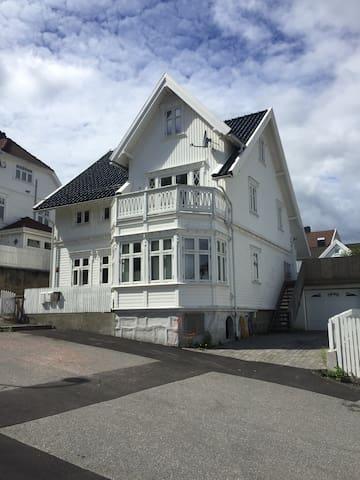 Fin leilighet nær sentrum. - Kristiansand - Leilighet