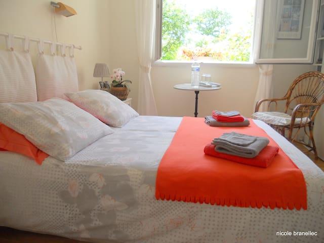 chambre d'hotes de Kernisi, - Logonna-Daoulas - Hus