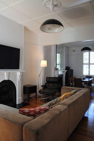 Classic Family Terrace House, Redfern - Redfern - Casa