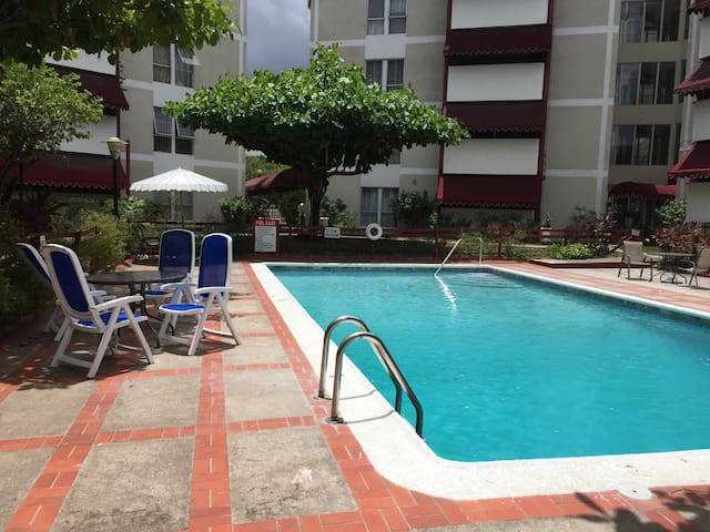 Abbey Court - Heart of New Kingston - Kingston - Apartamento
