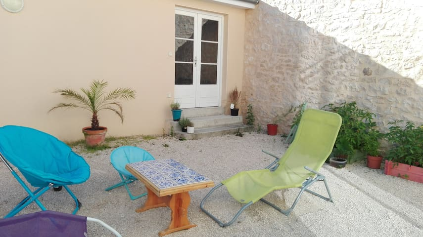 Maison moderne au cœur d'un village - Souillac - Hus