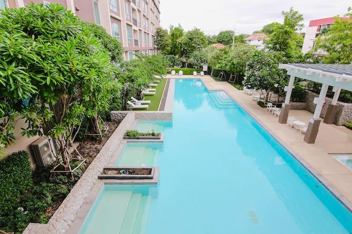 2 Bedroom Beach side condominium - Nong Kae