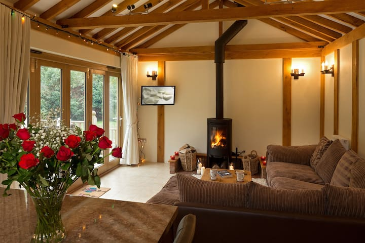 Luxury barn with hot tub, masseur, spa / gym offer - Stoke Ash - Huis