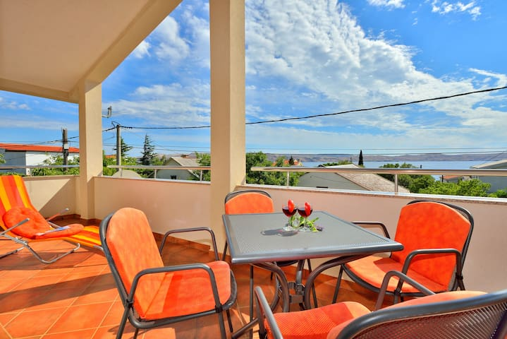 Lovely apartment 1 minute away from beach - Cesarica - Appartement