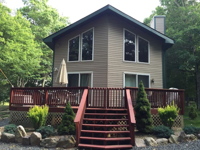 Beautiful Family-Friendly Chalet 3BR, 3 Full baths - Albrightsville - Chalupa