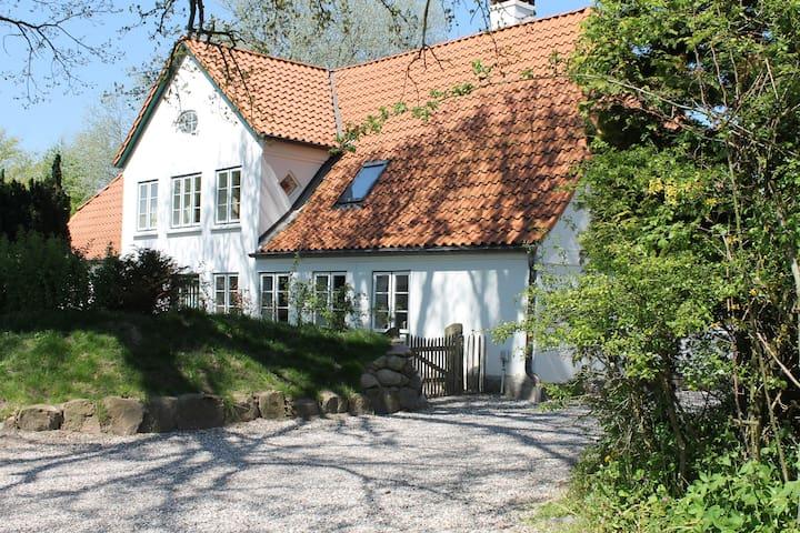 Großes Landhaus mit Sauna, 800 m von der Ostsee - Pommerby - Ev